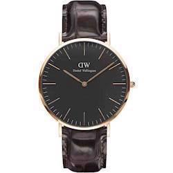 rosa forgyldt Classic Black Your quartz Herre ur fra Daniel Wellington